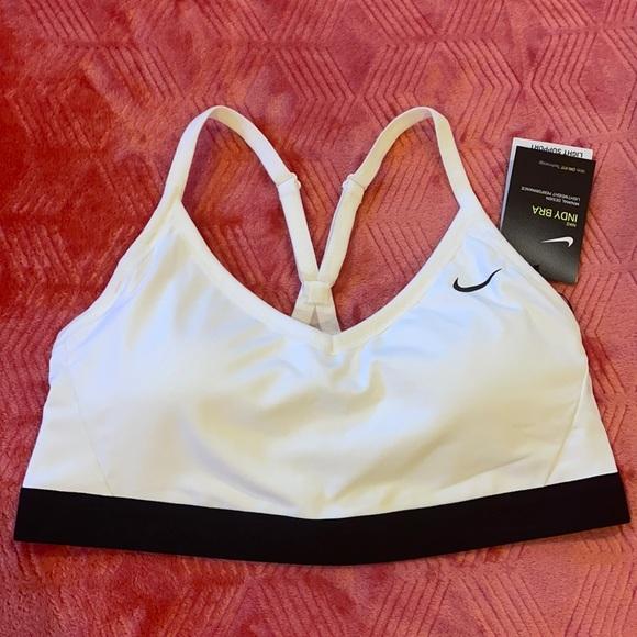 Nike Exercise White L
